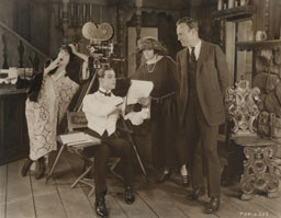 Gloria Swanson, Rudolph Valentino, Elinor Glyn and Sam Wood on the set of Beyond the Rocks. Photo: Milestone Film & Video