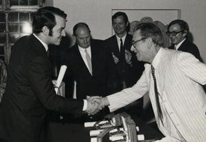 Bitsch receiving the grand prize from the president of the Festival of Trieste for his film Le Dernier Homme. Roger Corman applauds and Jean-Louis Comolli (with glasses) looks on. 1969.