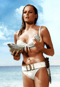 Honey Ryder (Ursula Andress) in Dr No
