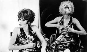 Françoise Dorléac and Catherine Deneuve (photo taken by David Bailey in 1966)