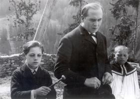 Jean Forest and Victor Vina in Visages d'enfants