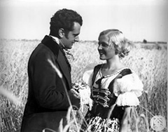Hans Jaray and Luise Ullrich in Forst's Leise flehen meine Lieder