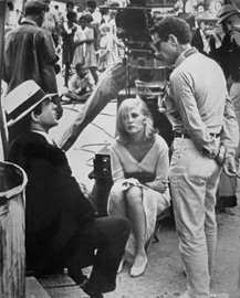 Warren Beatty, Faye Dunaway and Arthur Penn on the set of Bonnie and Clyde