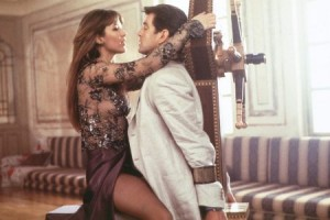 Elektra (Sophie Marceau) and James Bond (Pierce Brosnan) in The World is Not Enough